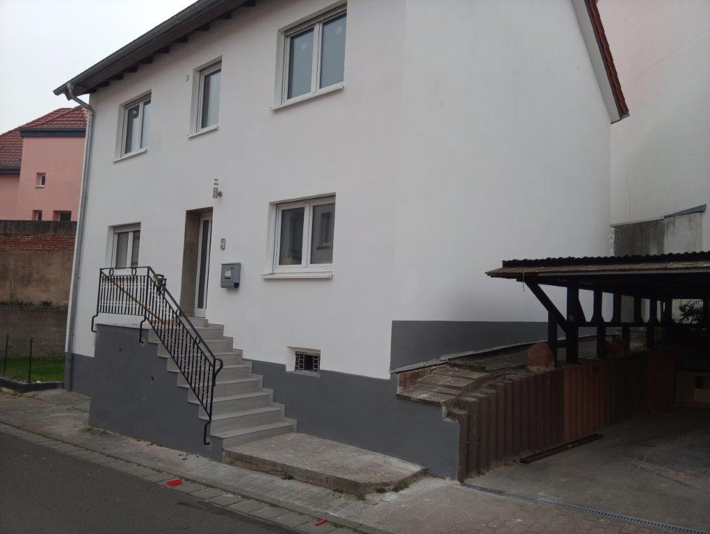 Die von der Firma Walter Becker überarbeitete Fassade eines alten Hauses
