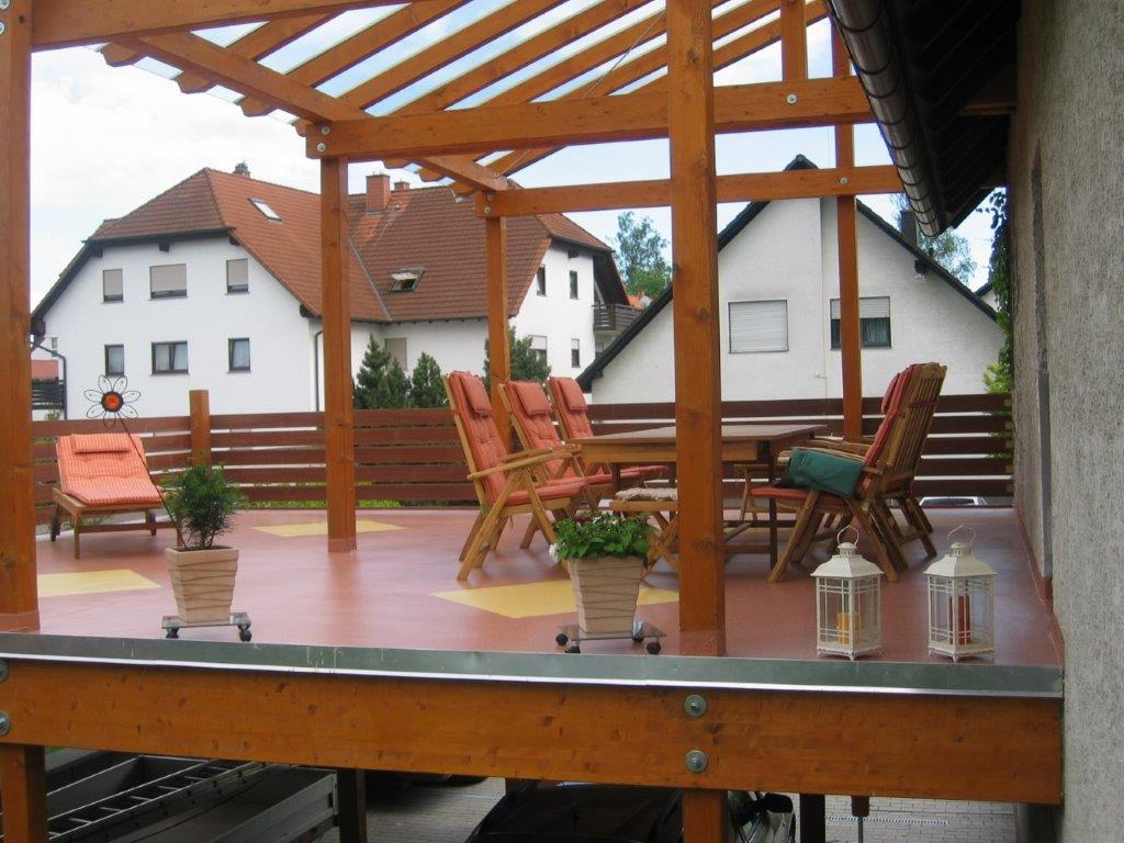 Carport mit Terrasse und Überdachung durch Firma Walter Becker