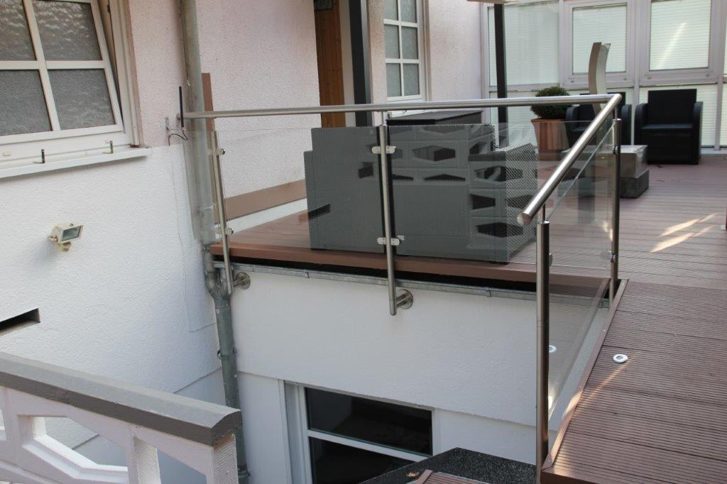 Balkon mit Geländer angebaut durch Firma Walter Becker