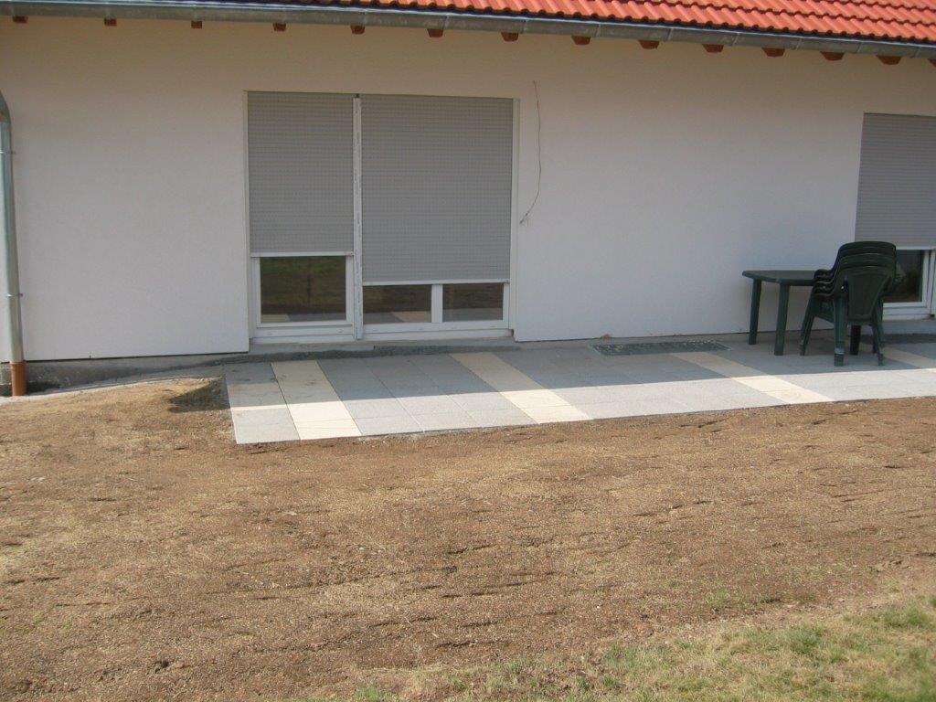 Terrasse im Außenbereich angelegt durch Firma Walter Becker