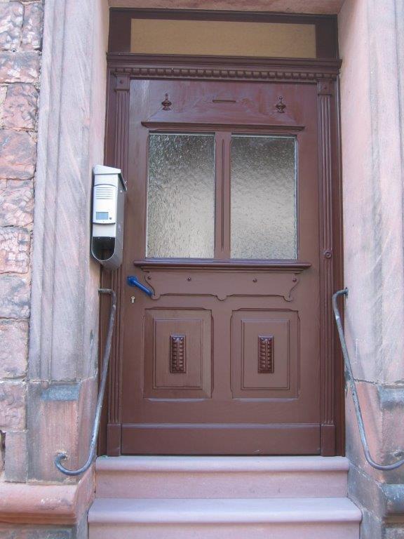 Abschlossene Schreinerarbeiten einer Haustür durch Walter Becker