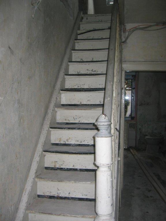 firma-walter-becker-treppe-vorher